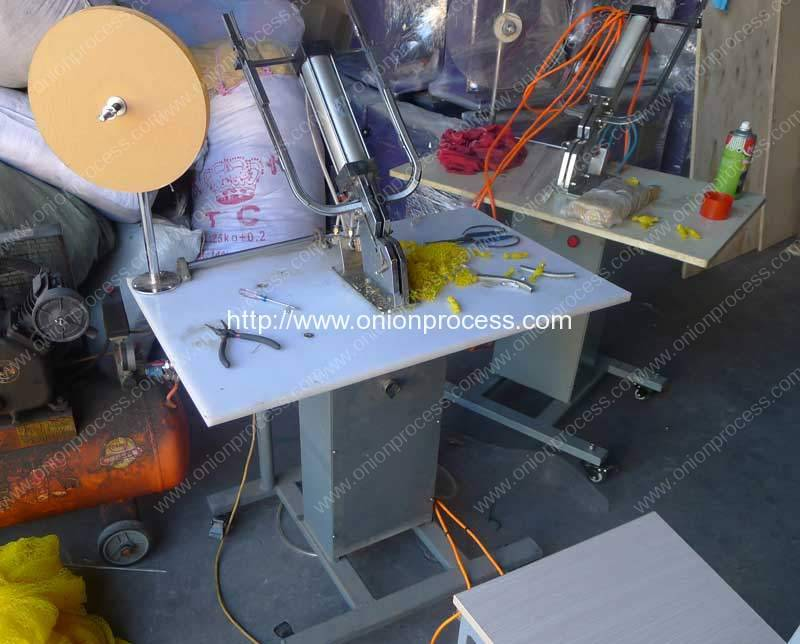 pneumatic-type-mesh-bag-clipping-machine-testing-before-delivery