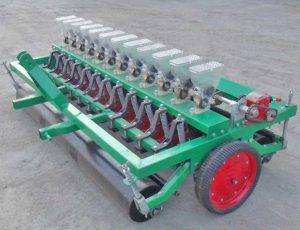 Trailed Type Onion Seeds Planter Machine