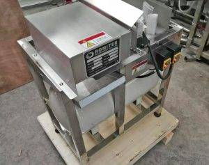 Green-Onion-Spring-Root-Cutting-and-Peeling-Machine-Delivery-for-France-Customer