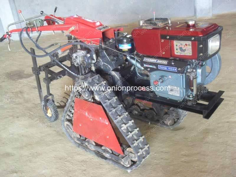 Onion-Spring-Harvester-Machine-with-Diesel-Engine